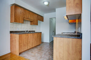 AMAZING RENOS! 3 LEVEL TOWNHOUSE FOR RENT (2 & 3 BEDROOMS AVAIL