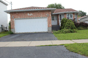 PRICED REDUCED.MOTIVATED SELLER. IN-LAW SUITE Cornwall Ontario image 1