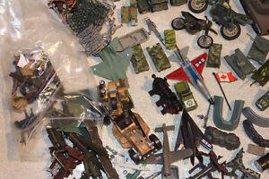 LOT MILITARY VEHICLES - SMALL SOLDIERS - LOTS OF ACCESSORIES Kitchener / Waterloo Kitchener Area image 4