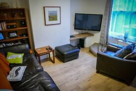 V Large Double Bedroom - Price All Inclusive