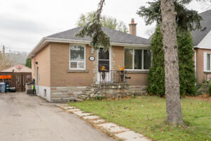 26 Cheryl Ave - Hamilton Mountain Bungalow