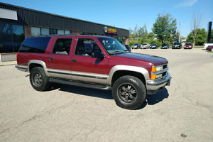 1999 Suburban LT. $7999 Cert and Etested