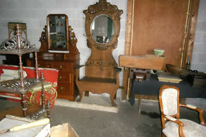 WANTED TO BUY ANTIQUES AND COLLECTIBLES