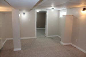 1 One Bedroom Closeto Downtown Amenities Private Laundry Parking
