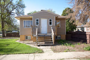 HOUSE FOR SALE   1075 DOMINION STREET SE