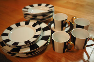 White/Black/Gold 4-Person Dinnerware Plate Set