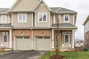 QUALITY END UNIT FREEHOLD TOWNHOUSE WITH A WALKOUT BASEMENT!