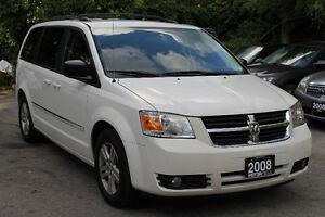 2008 Dodge Grand Caravan SXT STOW 'N GO *NO ACCIDENTS | LOADED*