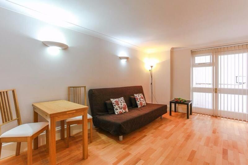 -BEAUTIFUL AND VERY SPACIOUS 1 BED FLAT IN BAYSWATER ***ALL BILLS INCLUDED***