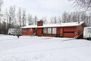 Family Home Located Close to Schools. (Chetwynd)