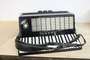 **GORGEOUS** Bandmaster Accordion, Weltmeister