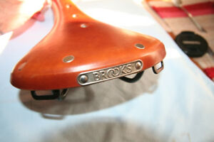 Brooks B17 Saddle, very little use, 10/10 condition