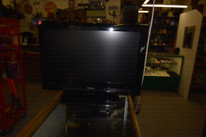 Selling a  Toshiba  26 inch 720 LCD  television.