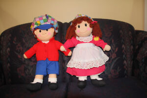 Dolls, collectible Raggedy Anne and Andy.