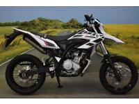 Yamaha WR125X 2016**2468 MILES, DIGITAL DISPLAY, LEARNER LEGAL**