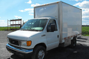 Camion cube Ford E-350