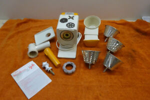 MOULINEX JEANNETTE MODEL 244 MEAT GRINDER/SALAD MAKER