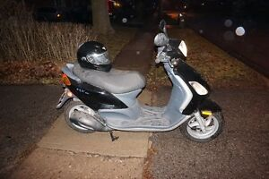 Piaggio Scooter- Fly 150