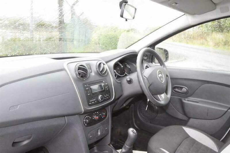 2015 Dacia Sandero 0.9TCe (90bhp) Ambiance Hatchback Petrol Manual