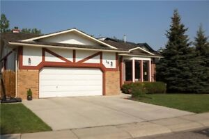 Excellent Bungalow for SALE in Okotoks **Book a showing today!