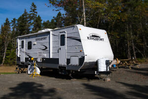 2013 Kingsport 27 foot Travel Trailer, Camper, Caravan