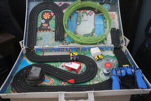 VINTAGE 1991 MICRO MACHINES CYCLONE CITY SLOT CAR SET Belleville Belleville Area image 1