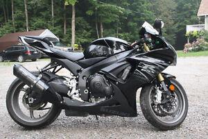 FOR SALE - Immaculate Suzuki GSXR-750