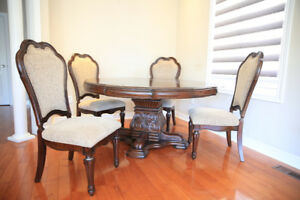 Elegant Italian dining set worth of $4000 (almost brand new)