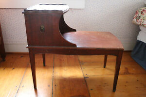 Antiquité, magnifique table basse bois en Chêne
