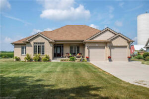 Heaven is on Earth! Just Listed! - 714609 MIDDLETOWN LINE