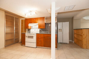 Two bed with kitchen and bath with huge living - Move in Aug 1