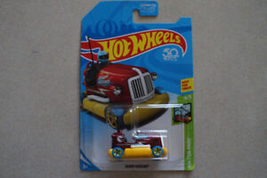 Hot Wheels Bump Around 1/64 scale **TREASURE HUNT**