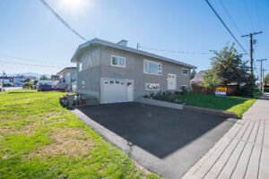 INVESTOR ALERT! Beautiful Updates, 2 full suites  Chilliwack