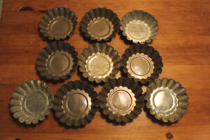 Group Lots of Old Single Tart Tins - Great For Decor