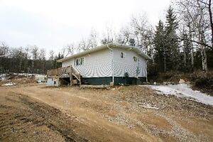 125 Woodland Ave., Buena Vista - YEAR-ROUND HOME ON HUGE LOT!