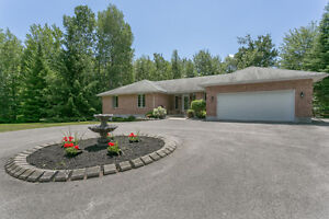 Custom Bungalow in Hawkesbury West! 1730 Gilles