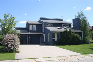 Spacious Two Storey Home in Spruce Grove District
