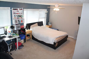4 bedroom townhouse available for rent starting Sept 1