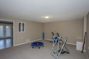 Move in Condition, End unit with walkout. London Ontario image 10