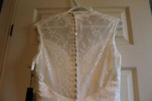 White, lace wedding dress - size 6