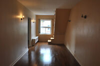 Apartment For Rent--(6 1/2)--Loyola Campus Area