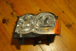 2008 2009 2010 Jeep Grand Cherokee Drives Side Headlight OEM Kitchener / Waterloo Kitchener Area image 1
