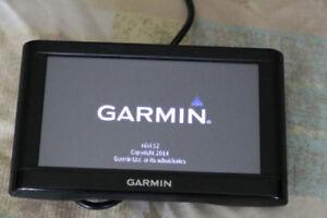 Garmin NUVI 52 + 32 GB Micro SD Card