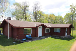 The Clubhouse - Cottage rental, Stoney Lake