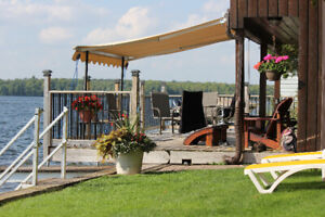 Luxury Lake Front Rental Cottage Bobcaygeon Boat Lift and Dock