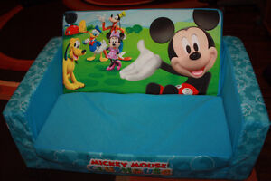 Mickey Fold out couch in excellent condition p/u NW London