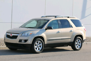 2008 Saturn Outlook XE SUV AWD - seats 8!