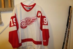 Yzerman CCM hockey Jersey