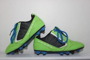 Souliers de soccer d'enfants