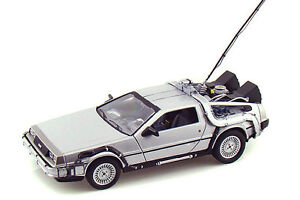 MINI CAR COLLECTIBLES - Welly Back To The Future I Time Machine